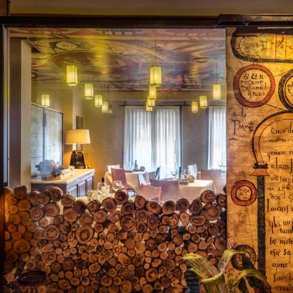 Sala y restaurante Hotel la Casueña